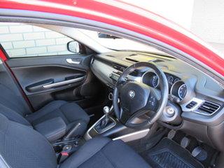 2013 Alfa Romeo Giulietta Series 0 Progression Red 6 Speed Manual Hatchback