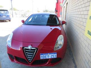 2013 Alfa Romeo Giulietta Series 0 Progression Red 6 Speed Manual Hatchback.