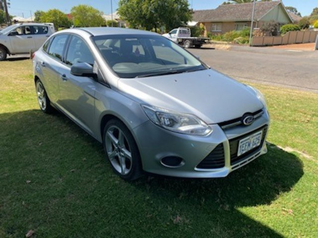 Used Ford Focus LW MK2 Ambiente Sedan, 2013 Ford Focus LW MK2 Ambiente Sedan Silver 6 Speed Sedan