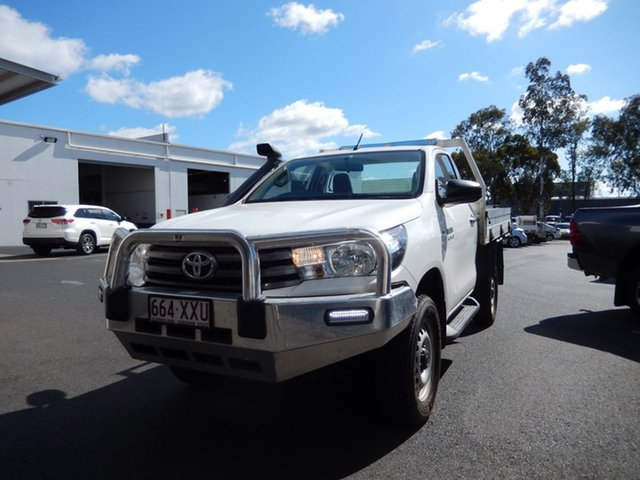 Used Toyota Hilux GUN126R SR (4x4), 2015 Toyota Hilux GUN126R SR (4x4) Glacier White 6 Speed Automatic Cab Chassis