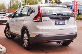 2013 Honda CR-V RM VTi White 5 Speed Automatic Wagon.