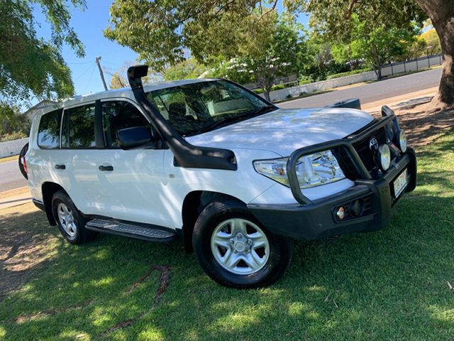 Used Toyota Landcruiser VDJ200R MY13 GX Moree, 2015 Toyota Landcruiser VDJ200R MY13 GX Glacier White 6 Speed Sports Automatic Wagon