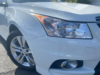 2013 Holden Cruze JH Series II MY14 SRi White 6 Speed Sports Automatic Hatchback.