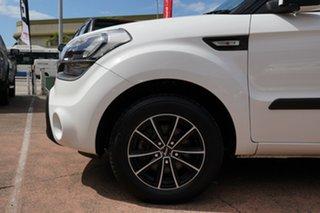2013 Kia Soul AM MY12 White 6 Speed Automatic Hatchback.