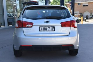 2012 Kia Cerato TD MY12 SI Bright Silver 6 Speed Sports Automatic Hatchback.