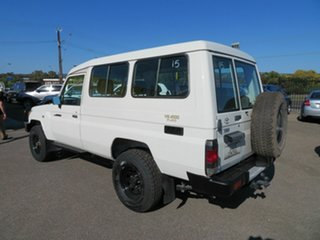 2008 Toyota Landcruiser VDJ78R Workmate (4x4) 11 Seat White 5 Speed Manual TroopCarrier.