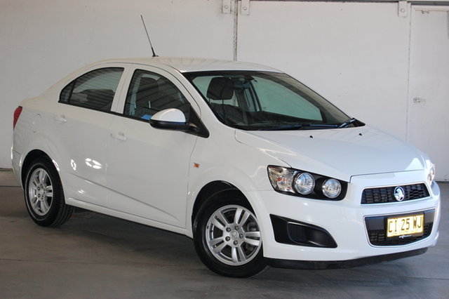 Used Holden Barina TM MY16 CD, 2016 Holden Barina TM MY16 CD White 6 Speed Automatic Sedan