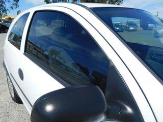 2002 Holden Barina XC White 5 Speed Manual Hatchback