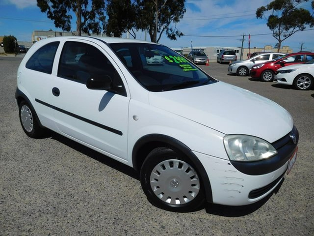 Used Holden Barina XC , 2002 Holden Barina XC White 5 Speed Manual Hatchback