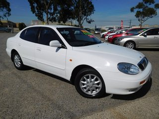 2002 Daewoo Leganza White 4 Speed Automatic Sedan.