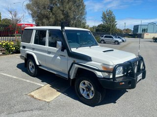 2008 Toyota Landcruiser VDJ76R GXL White 5 Speed Manual Wagon.