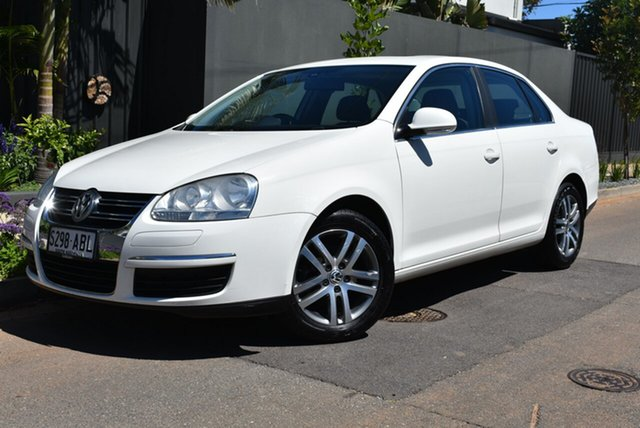 Used Volkswagen Jetta 1KM MY08 FSI, 2008 Volkswagen Jetta 1KM MY08 FSI White 6 Speed Manual Sedan