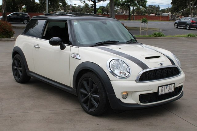 Used Mini Cooper R56 MY11 S West Footscray, 2011 Mini Cooper R56 MY11 S White 6 Speed Manual Hatchback