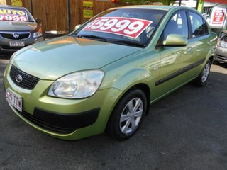 2006 Kia Rio JB Green 5 Speed Manual Sedan.