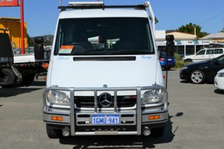 2005 Mercedes-Benz Sprinter White Motor Camper.
