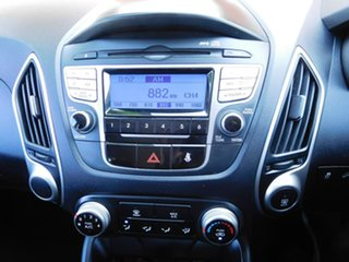 2010 Hyundai ix35 LM Active Red 6 Speed Sports Automatic Wagon