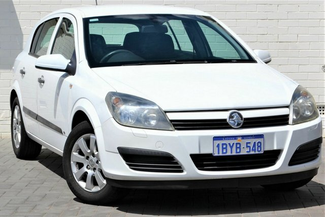 Used Holden Astra AH MY05 CD, 2005 Holden Astra AH MY05 CD White 5 Speed Manual Hatchback