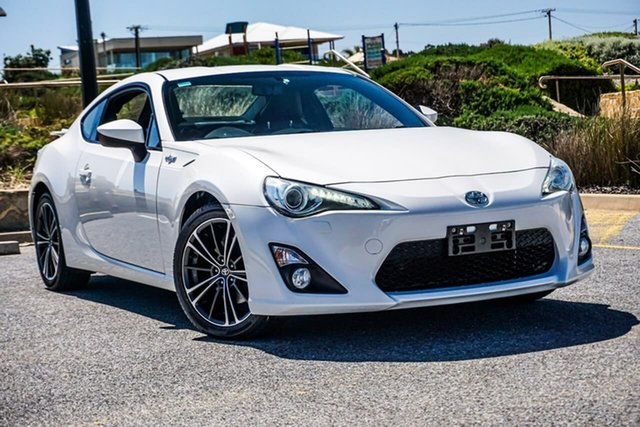 Used Toyota 86 ZN6 GTS Christies Beach, 2013 Toyota 86 ZN6 GTS White 6 Speed Manual Coupe