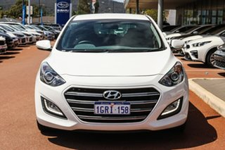 2016 Hyundai i30 GD5 Series II MY17 SR White 6 Speed Sports Automatic Hatchback.