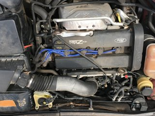 2002 Ford Focus LR MY2003 CL Burgundy 5 Speed Manual Sedan