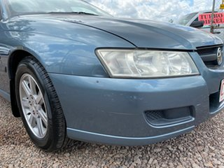 2004 Holden Commodore VZ Executive Grey 4 Speed Automatic Sedan.