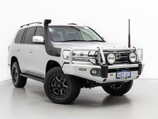 2018 Toyota Landcruiser VDJ200R MY16 VX (4x4) Silver 6 Speed Automatic Wagon.
