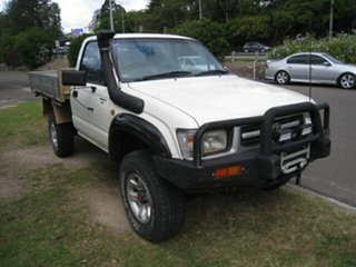 2000 Toyota Hilux RZN169R (4x4) White 5 Speed Manual 4x4 Cab Chassis