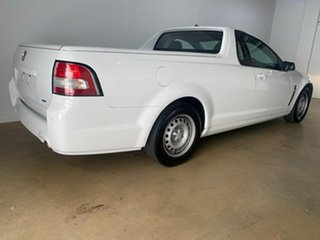2015 Holden Ute VF II White 6 Speed Automatic Utility.