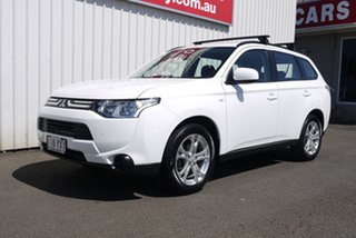 2013 Mitsubishi Outlander ZJ MY13 ES 2WD 6 Speed Constant Variable Wagon