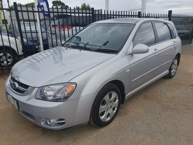 Used Kia Cerato LD MY06 EX Morphett Vale, 2006 Kia Cerato LD MY06 EX Silver 5 Speed Manual Hatchback