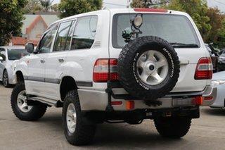 2005 Toyota Landcruiser HZJ105R Upgrade GXL (4x4) Powder White 5 Speed Manual 4x4 Wagon.