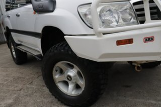 2005 Toyota Landcruiser HZJ105R Upgrade GXL (4x4) Powder White 5 Speed Manual 4x4 Wagon.