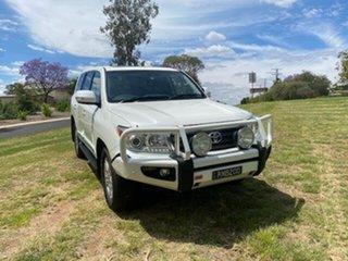 2015 Toyota Landcruiser VDJ200R MY13 Sahara (4x4) White 6 Speed Automatic Wagon.