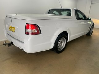 2015 Holden Ute VF MY15 White 6 Speed Automatic Utility.