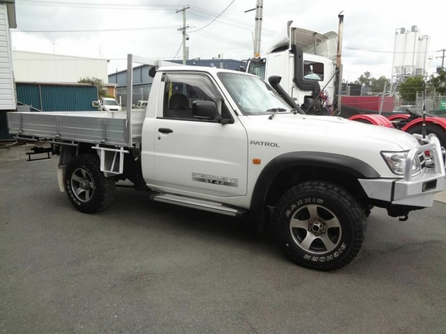 Used Nissan Patrol GU ST (4x4) Coopers Plains, 2005 Nissan Patrol GU ST (4x4) White 5 Speed Manual Coil Cab Chassis