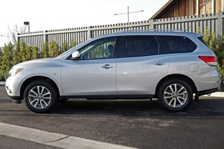 2014 Nissan Pathfinder Silver Wagon