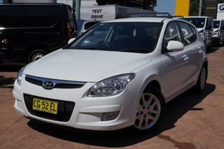 2008 Hyundai i30 FD MY09 SLX 1.6 CRDi White 5 Speed Manual Hatchback.