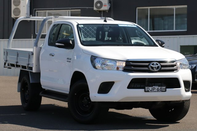 Used Toyota Hilux GUN126R SR Extra Cab, 2016 Toyota Hilux GUN126R SR Extra Cab White 6 Speed Manual Utility