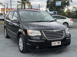 2009 Chrysler Voyager Black Automatic Wagon.