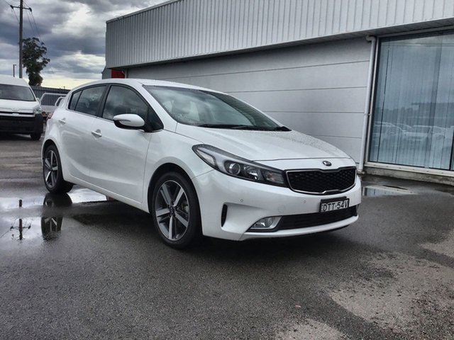 Used Kia Cerato YD MY18 Sport+, 2017 Kia Cerato YD MY18 Sport+ Pearl White 6 Speed Sports Automatic Hatchback