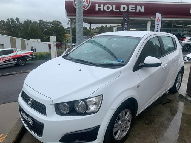 Used Holden Barina TM MY14 CD, 2014 Holden Barina TM MY14 CD White 5 Speed Manual Hatchback