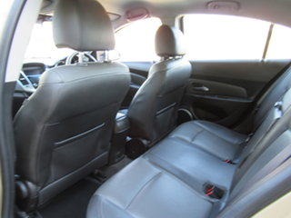 2009 Holden Cruze JG CDX Gold 5 Speed Manual Sedan