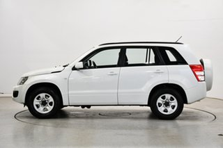 2013 Suzuki Grand Vitara JB MY13 Urban 2WD White 4 Speed Automatic Wagon.