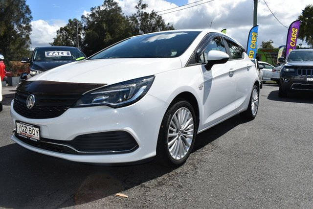 Used Holden Astra BK MY17 R+, 2017 Holden Astra BK MY17 R+ Summit White 6 Speed Sports Automatic Hatchback