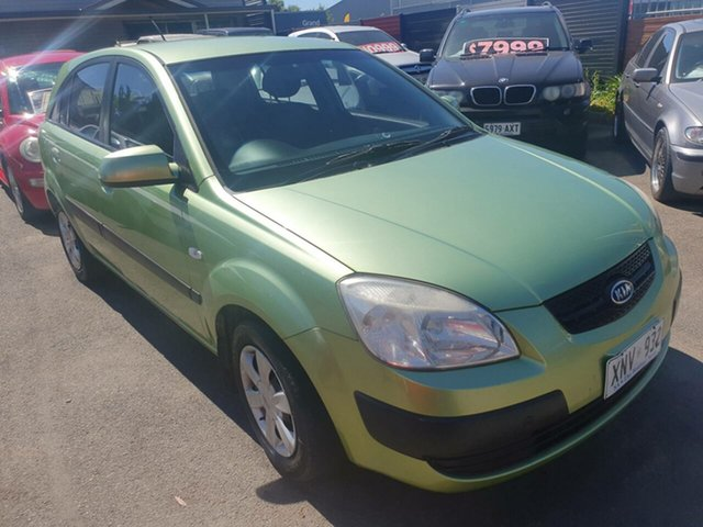 Used Kia Rio JB MY07 LX Morphett Vale, 2007 Kia Rio JB MY07 LX Green 5 Speed Manual Hatchback