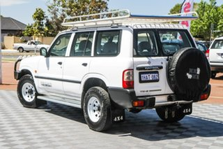 2003 Nissan Patrol GU III MY2003 DX White 5 Speed Manual Wagon.