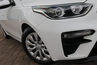 2018 Kia Cerato BD MY19 S White 6 Speed Sports Automatic Hatchback.