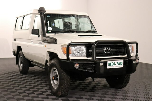 Used Toyota Landcruiser VDJ78R Workmate Troopcarrier Acacia Ridge, 2015 Toyota Landcruiser VDJ78R Workmate Troopcarrier French Vanilla 5 speed Manual Wagon
