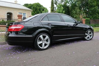 2009 Mercedes-Benz E250 212 CGI Avantgarde 5 Speed Automatic Sedan.
