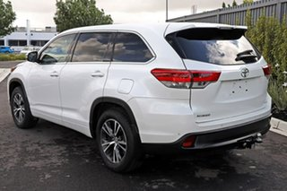 2017 Toyota Kluger White Wagon.